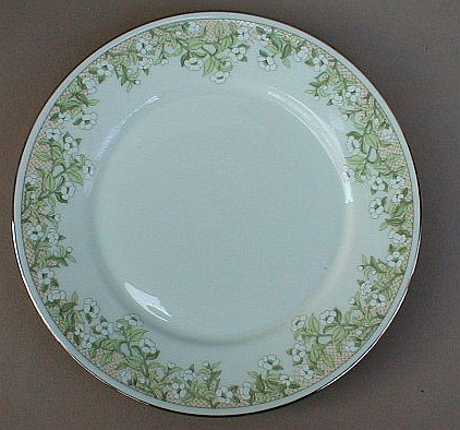 Make sure your browser can show photos and reload this page to see Oxford (Div Of Lenox) China Trellis Dinner plate