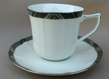 Make sure your browser can show photos and reload this page to see Noritake China Midnight Majesty 7295 Cup and saucer set 3
