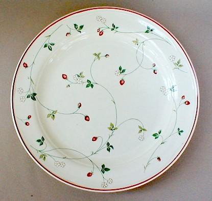 Make sure your browser can show photos and reload this page to see Epoch Dinnerware Strawberry Time E744 Dinner plate