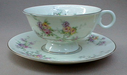 Make sure your browser can show photos and reload this page to see Haviland China Gloria Cup and saucer set 2 1/4