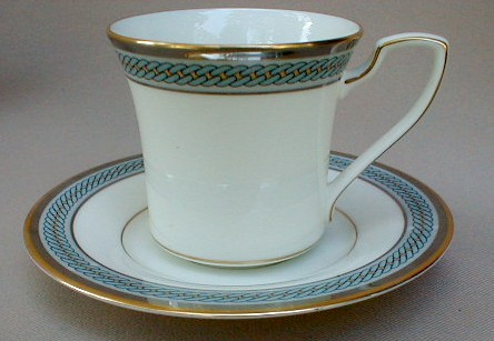 Make sure your browser can show photos and reload this page to see Noritake China Queens Guard 7712 Cup and saucer set 3