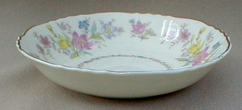 Make sure your browser can show photos and reload this page to see Syracuse China Briarcliff Fruit/dessert bowl 5 1/8