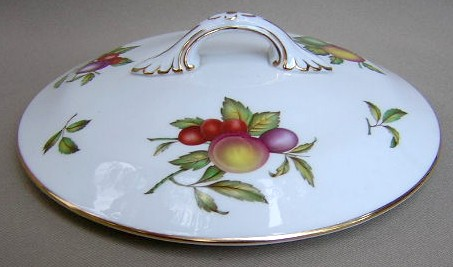 Make sure your browser can show photos and reload this page to see Spode China Blenheim Y7695 Covered veg, round, (lid only)