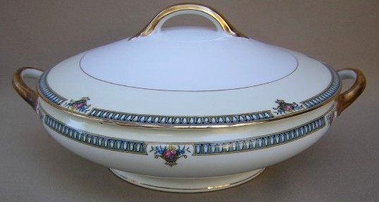 Make sure your browser can show photos and reload this page to see Noritake China Glendive 71227 Covered veg, (round)