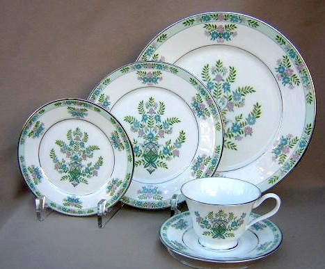 Make sure your browser can show photos and reload this page to see Oxford (Div Of Lenox) China Willow Tree Place setting 5-piece  dinner, salad, bread, cup, saucer