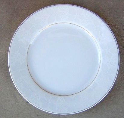 Make sure your browser can show photos and reload this page to see Rosenthal - Continental China White Velvet - Gold Trim Salad plate 7 1/2