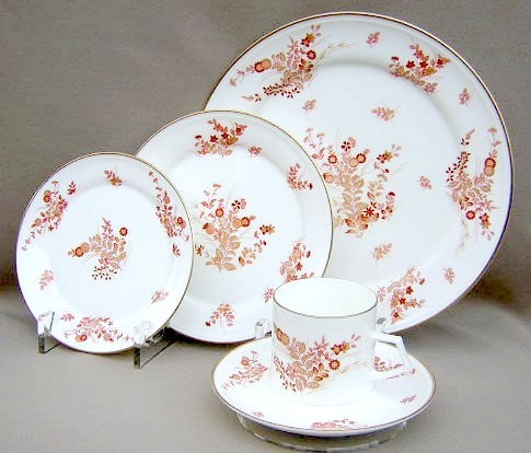 Make sure your browser can show photos and reload this page to see Mikasa China Eastwind A4181 Place setting 5-piece   (dinner, salad, bread