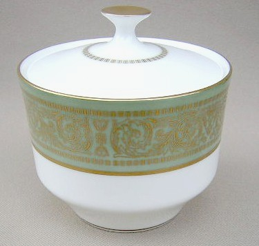Make sure your browser can show photos and reload this page to see Mikasa China Rosemont A1117 Sugar bowl with lid