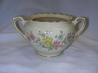 Make sure your browser can show photos and reload this page to see Syracuse China Briarcliff Sugar bowl with lid -lid chpd