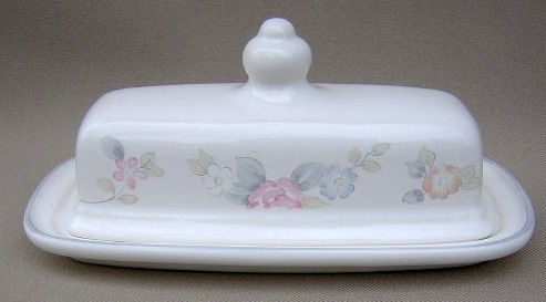 Make sure your browser can show photos and reload this page to see Pfaltzgraff China Wyndham Butter dish/covered