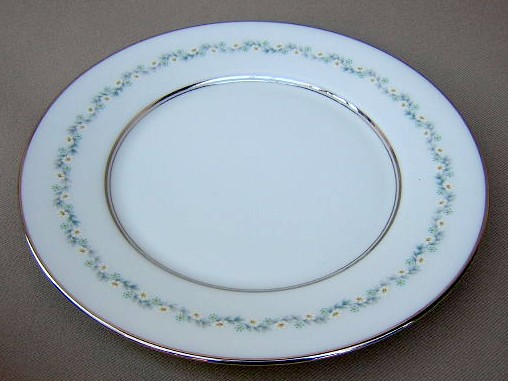 Make sure your browser can show photos and reload this page to see Oxford (Div Of Lenox) China Holyoke Dinner plate 10 3/4