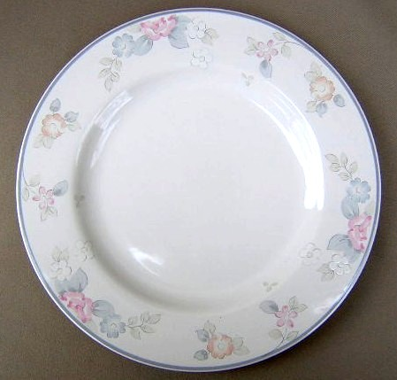 Make sure your browser can show photos and reload this page to see Pfaltzgraff China Wyndham Dinner plate 10 1/2