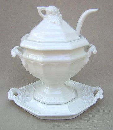 Make sure your browser can show photos and reload this page to see Red-Cliff China Grape [C2]  Soup tureen, lid, ladle,stand (SMALL Sauce tureen with lid, ladle and underplate