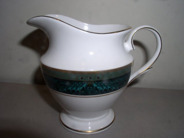 Make sure your browser can show photos and reload this page to see Lenox China Classic Edition Creamer