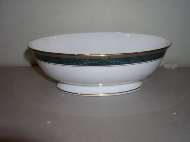 Make sure your browser can show photos and reload this page to see Lenox China Classic Edition Oval vegetable --9 1/2