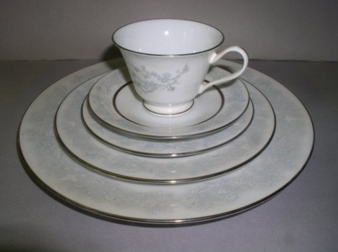 Make sure your browser can show photos and reload this page to see Oxford (Div Of Lenox) China Twilight Dell Place setting 5-piece  cup,saucer,dinner,salad,B&B plates