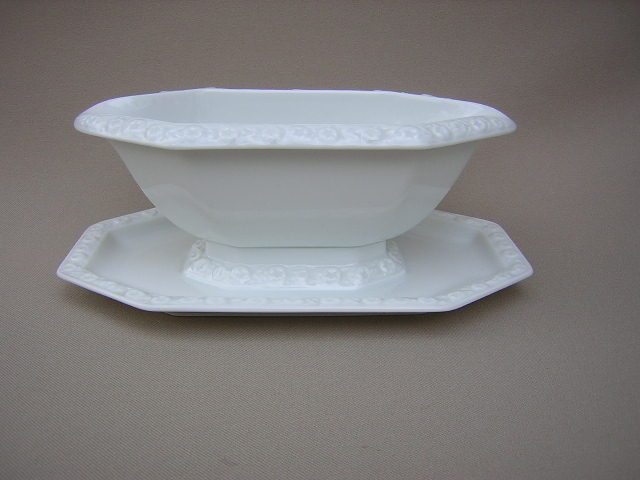 Make sure your browser can show photos and reload this page to see Rosenthal - Continental China Maria Gravy-attached stand (all white)