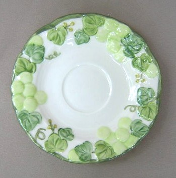 Make sure your browser can show photos and reload this page to see Metlox-Poppytrail-Vernon Pottery Grape Arbor 975 Saucer only