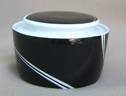 Make sure your browser can show photos and reload this page to see Block China Black Pearl Sugar bowl with lid