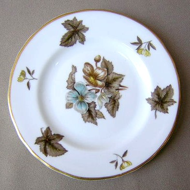 Make sure your browser can show photos and reload this page to see Royal Worcester China Dorchester - Scalloped  Bread and butter plate