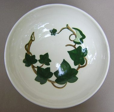 Make sure your browser can show photos and reload this page to see Metlox-Poppytrail-Vernon Pottery California Ivy Round vegetable  9
