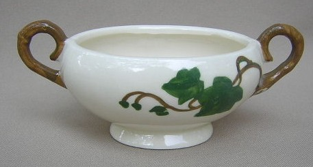 Make sure your browser can show photos and reload this page to see Metlox-Poppytrail-Vernon Pottery California Ivy Sugar bowl (no lid)