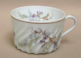 Make sure your browser can show photos and reload this page to see Haviland China Orsay Cup only (no saucer)