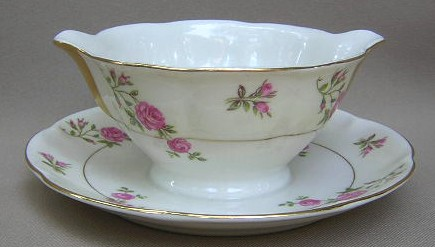 Make sure your browser can show photos and reload this page to see Haviland China Delaware Gravy-attached stand (NY)