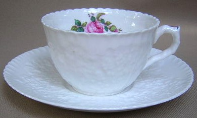 Make sure your browser can show photos and reload this page to see Spode China Bridal Rose Y2862 Cup and saucer set small