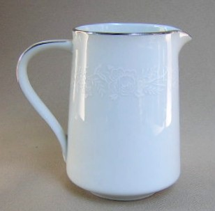 Make sure your browser can show photos and reload this page to see Noritake China Reina 6450q/64 Creamer