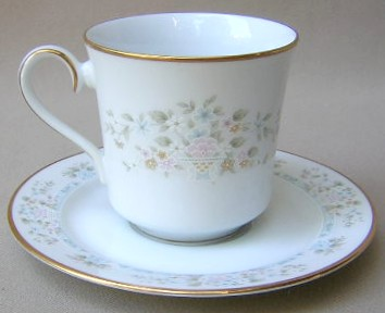 Make sure your browser can show photos and reload this page to see Lenox China Daisy Basket Cup and saucer set 3 1/4
