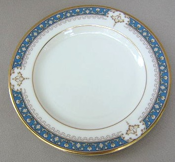 Make sure your browser can show photos and reload this page to see Lenox China Whitley Manor Bread and butter plate 6 1/4