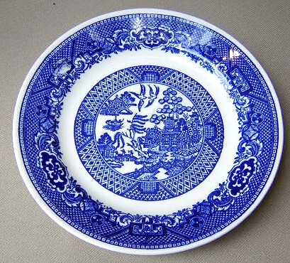 Make sure your browser can show photos and reload this page to see Royal (USA) Dinnerware Blue Willow Bread and butter plate 6 3/8