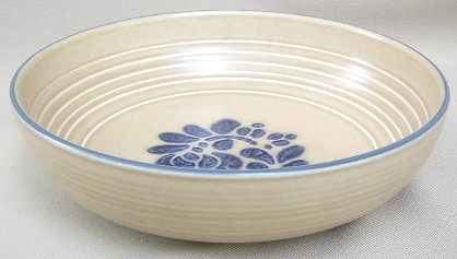 Make sure your browser can show photos and reload this page to see Pfaltzgraff China Folk Art Round vegetable  8 1/2Ó w x 2 1/2
