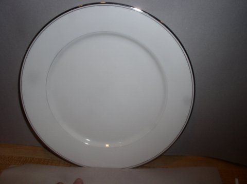 Make sure your browser can show photos and reload this page to see Gorham China Elegance Platinum Dinner plate