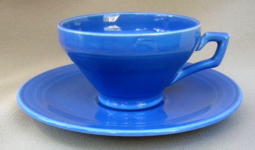 Make sure your browser can show photos and reload this page to see Metlox-Poppytrail-Vernon Pottery Early California - Cobalt Cup and saucer set Footed 2 1/4