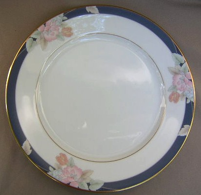 Make sure your browser can show photos and reload this page to see Gorham China Mae Bloom Dinner plate 10 1/2
