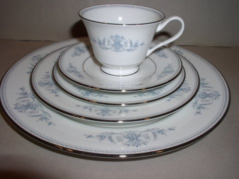 Make sure your browser can show photos and reload this page to see Oxford (Div Of Lenox) China Bryn Mawr Place setting 5-piece  --Cup,saucer,dinner,salad,B&B plates