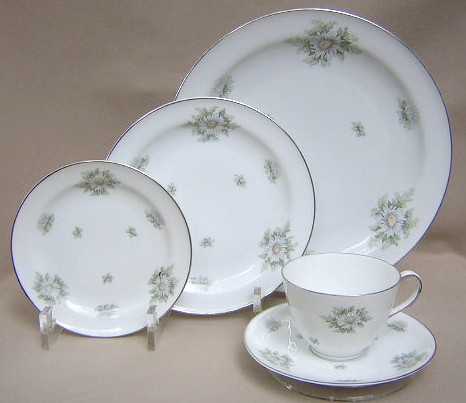 Make sure your browser can show photos and reload this page to see Franconia - Krautheim China Silver Thistle Place setting 5-piece