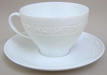 Make sure your browser can show photos and reload this page to see Gorham China Fidelia Cup and saucer set 2