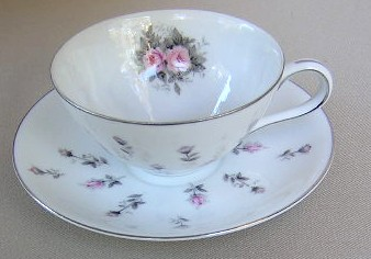 Make sure your browser can show photos and reload this page to see Harmony House China Rosebud 3534 Cup and saucer set 4