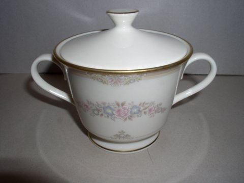 Make sure your browser can show photos and reload this page to see Lenox China Chesapeake  Sugar bowl with lid