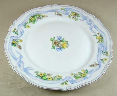 Make sure your browser can show photos and reload this page to see Haviland China Ribbon Dinner plate 10 1/4