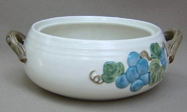 Make sure your browser can show photos and reload this page to see Metlox-Poppytrail-Vernon Pottery Sculptured Grape - Matte Covered veg, (round)  6 1/4