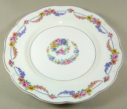 Make sure your browser can show photos and reload this page to see Haviland China Picardy Luncheon plate 9 5/8