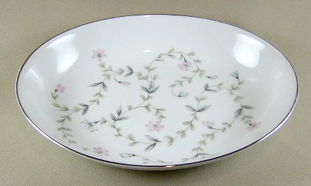 Make sure your browser can show photos and reload this page to see Harmony House China Linda  Oval vegetable 9 7/8