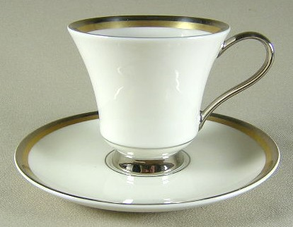 Make sure your browser can show photos and reload this page to see Pickard China Champagne Cup and saucer set 3