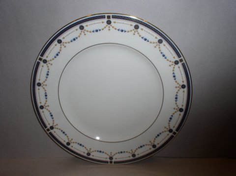 Make sure your browser can show photos and reload this page to see Lenox China Eaton Knoll Dinner plate