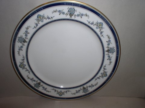 Make sure your browser can show photos and reload this page to see Gorham China Spring Laurel Dinner plate