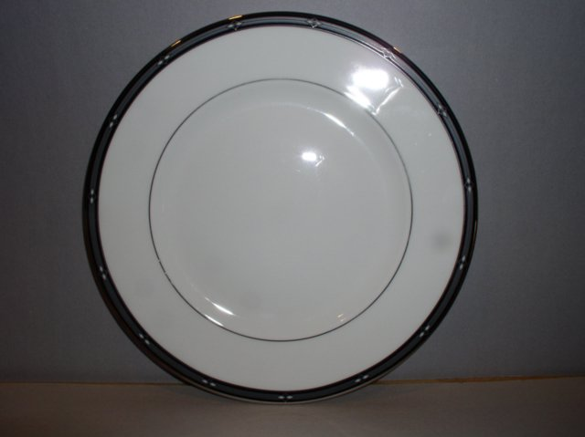 Make sure your browser can show photos and reload this page to see Lenox China Diamond Solitaire Salad plate